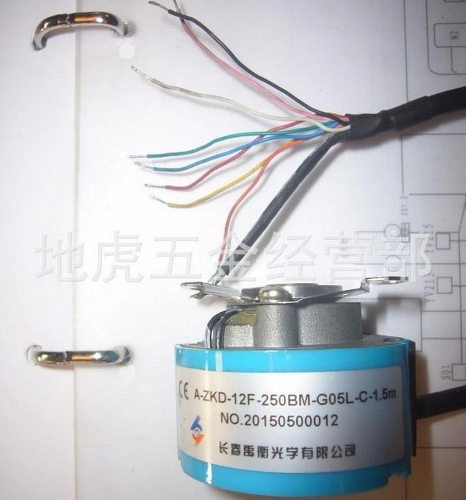 все цены на Original spot Changchun Yuheng servo motor encoder A-ZKD-12F-250BM-G05L-C-1.5M new original