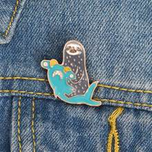 Lucu Hiu Martil Sloth Enamel Bros Pin Kerah Denim Tas Lencana Perhiasan Bros Wanita Perhiasan(China)