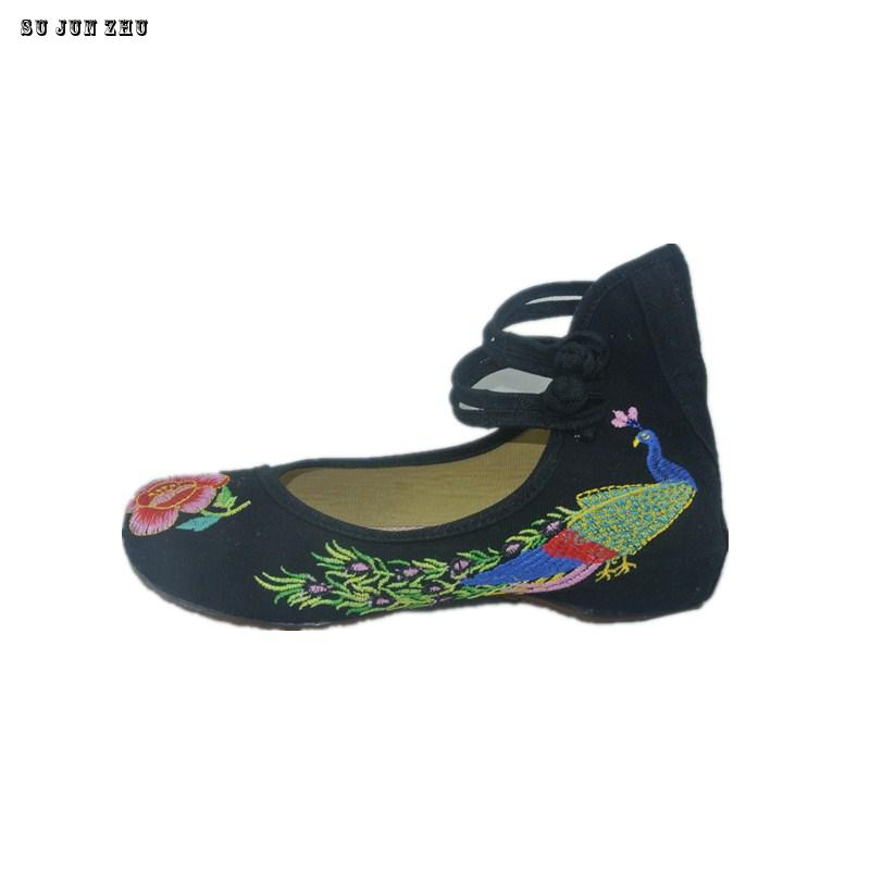 2016 New Arrival Old Peking Mary Janes Shoes Women's Chinese Shoes Heel Women Embroidery Canvas Shoes Size  8 9 peacock embroidery women shoes old peking mary jane flat heel denim flats soft sole women dance casual shoes height increase
