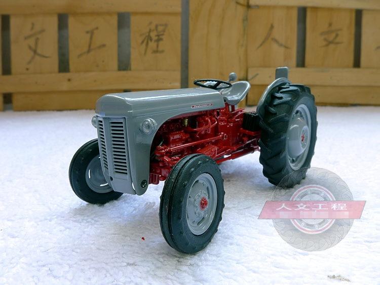 1//32 Tracteur Ferguson FF30 DS UH4190