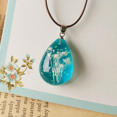 Newest Blue Glowing Necklace Pendant for Women Creamy Natural Dried Flowers Tear Drop Necklaces Summer Jewelry nxl052