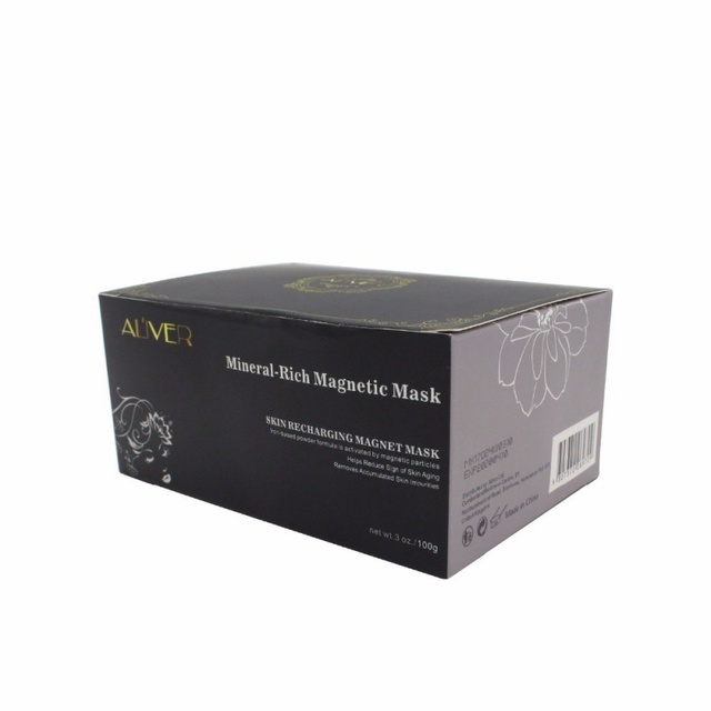 Mineral-Rich Magnetic Face Mask  4