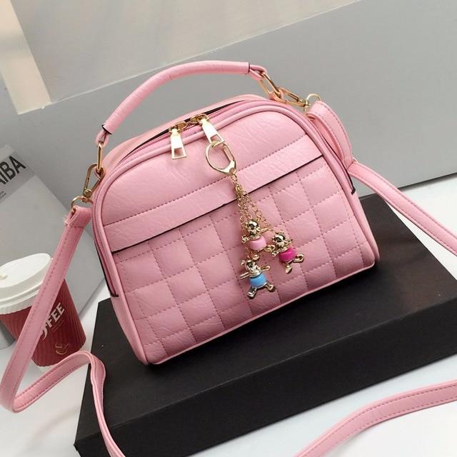 Free shipping, 2017 new fashion handbags, trend messenger bag, simple Korean version women bag, diamond lattice shell flap.