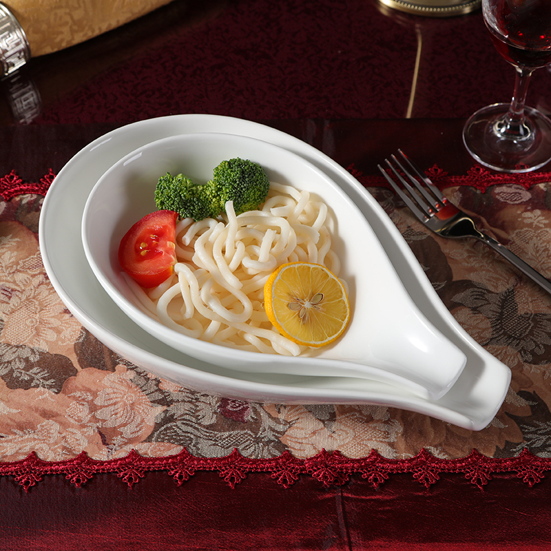 Creative fashion white ceramic tableware spoon bowl bowl Vegetable Salad Italian dessert pastry noodles soup soup