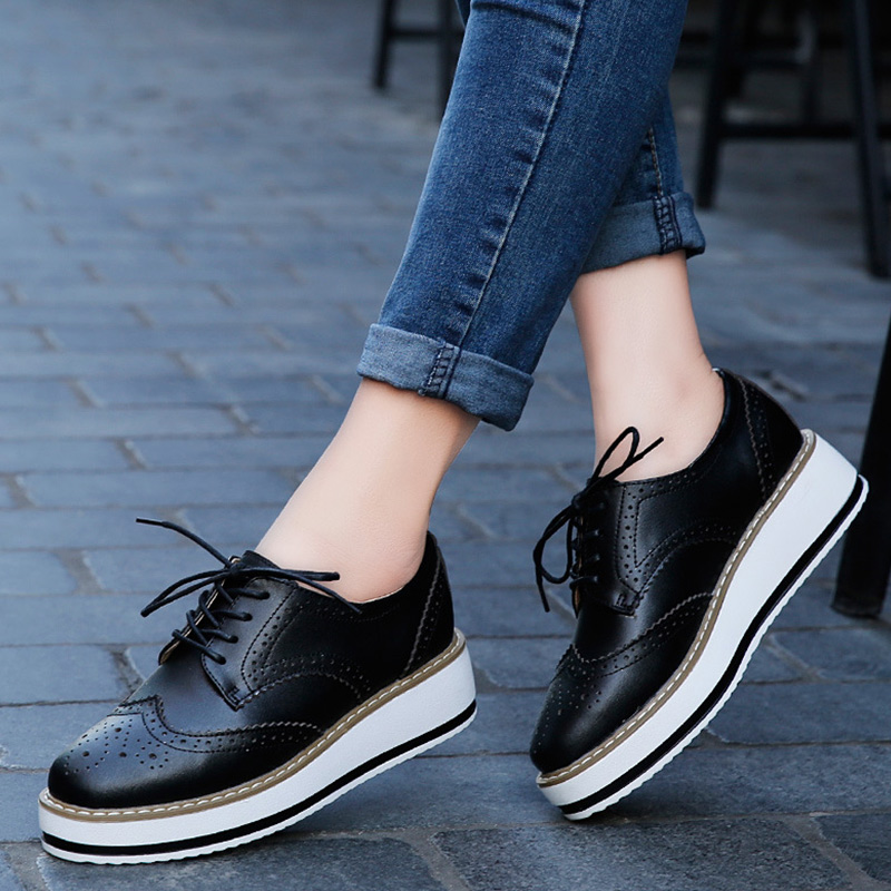 Women Flat Platform Autumn Oxfords Ladies Patent Leather Brogue Shoes Female Lace Up Thick Bottom Casual Fashion Footwear beffery 2018 british style patent leather flat shoes fashion thick bottom platform shoes for women lace up casual shoes a18a309