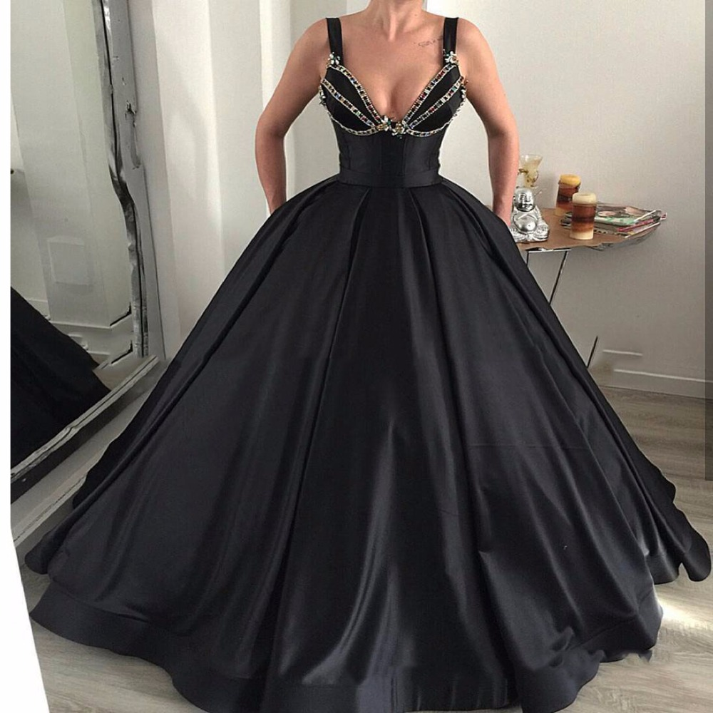 Lebanon 2018 Black Puffy   Prom     Dresses   With Pockets Sexy V-neck Long   Prom   Gowns Crystal Ball Gowns Robe De Soiree Abendkleider