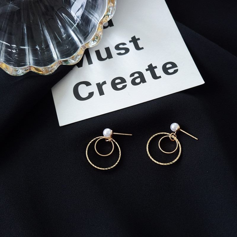 Fashion exaggeration  atmosphere Circle Earrings  ear hook earrings  super good-looking little pearl  affordable
