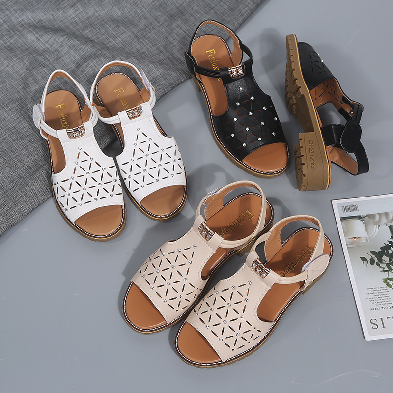 Brand new square with sandals in summer with 3 5cm women 39 s shoes casual comfort summer flat sandals black white beige C1311 in Middle Heels from Shoes