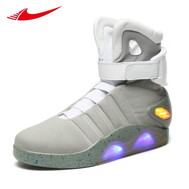 3949395d990b0 Retour vers le futur baskets lumineuses soldat chaussures marque bottes  édition limitée Led lumineux éclairer hommes chaussures de skateboard dans  Planche à ...