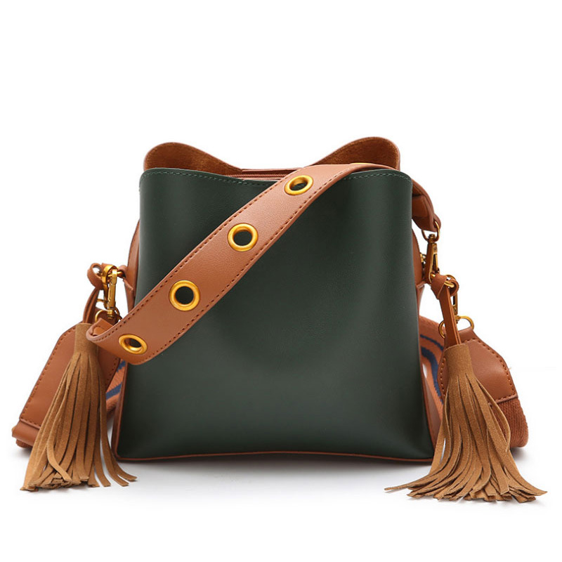 2018 New Designer Bucket Shoulder Bag for Women Wide Strap Tassel Handbag Ladies PU Leather Crossbody Bags Soild Messenger Bag