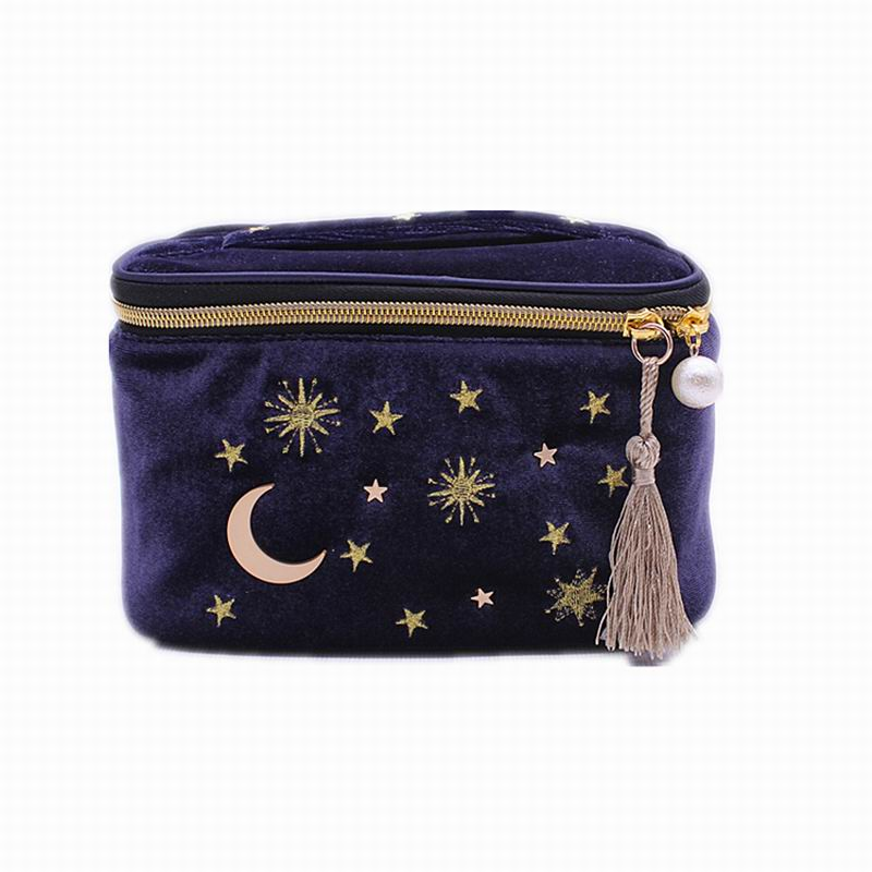 2019 New Cute Star Embroidered Velvet Cosmetic Bag Travel Fashion Women Cosmetics Makeup Bag Large Capacity Women Wash Bag
