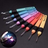 8 stücke 8 Größen Häkelnadel Set Praktische Pullover Stricknadeln Kunststoff Nähwerkzeuge Weave Craft Mit LED-Licht Stil Mayitr
