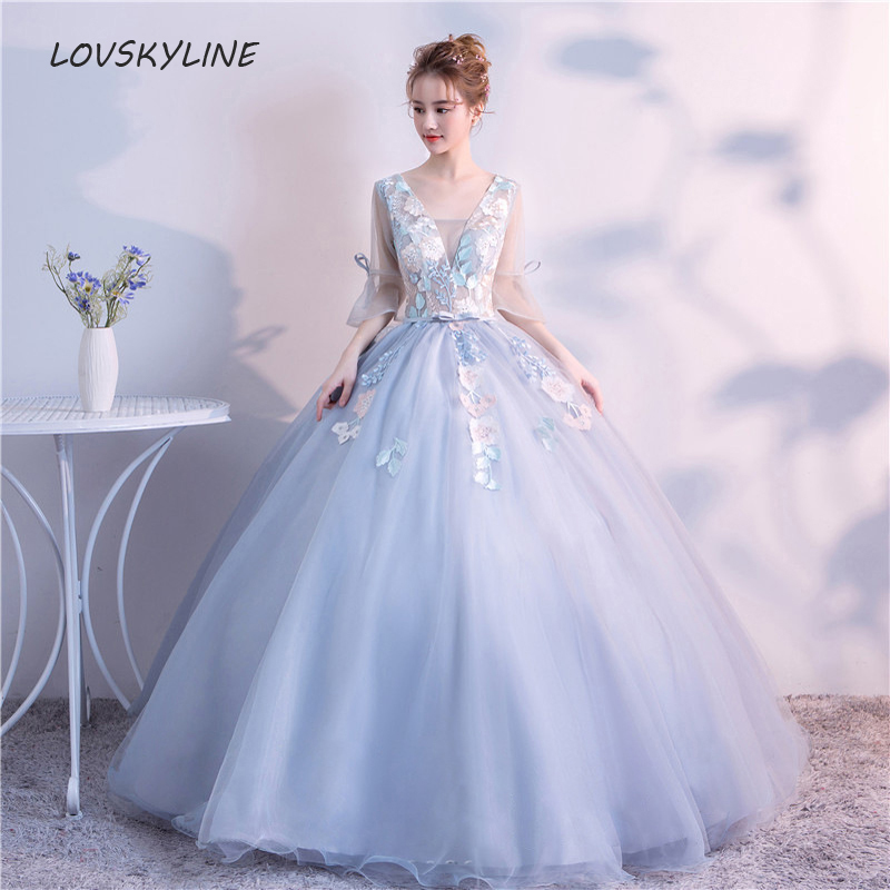 Quinceanera Dresses 2018 For 15 Appliques V neck 16 Ball Gowns Party Dress Performance Dress Custom