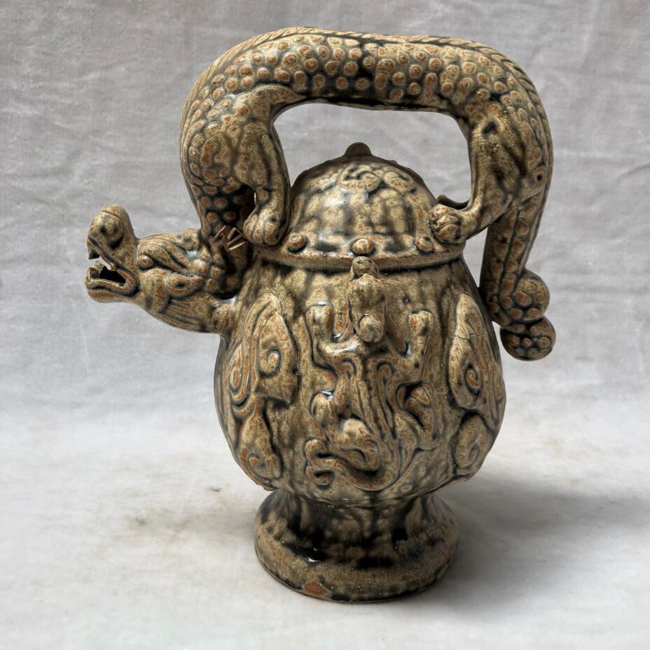 Hauteur 22 CM/8.6 pouces Art Collection chinois vieux en céramique Reflux Pot décoration de la maison théière artisanat grand Dragon vin Pot