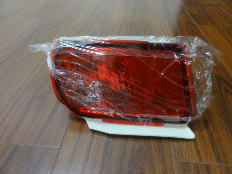 1 Piece Rear tail bumper fog light lamp Right Side 81581-60240 RH without bulb for TOYOTA LAND CRUISER PRADO FJ150 2010-2015 1pc right side fog light front bumper fog lamp without bulbs for toyota land cruiser fj120 prado 2002 2008