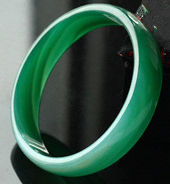 Free shipping NATURAL GREEN BANGLE BRACELET 62mm