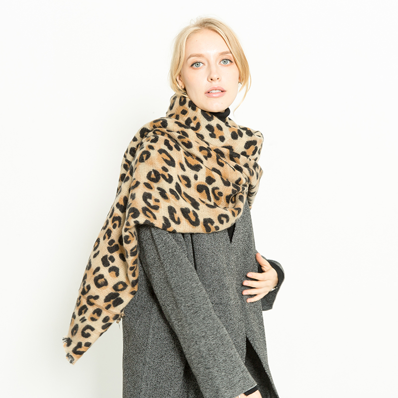 2018 Brand Autumn Winter Female Scarves Women Scarves Leopard Print Long Shawl Wrap Blanket Luxury Fashion Scarf