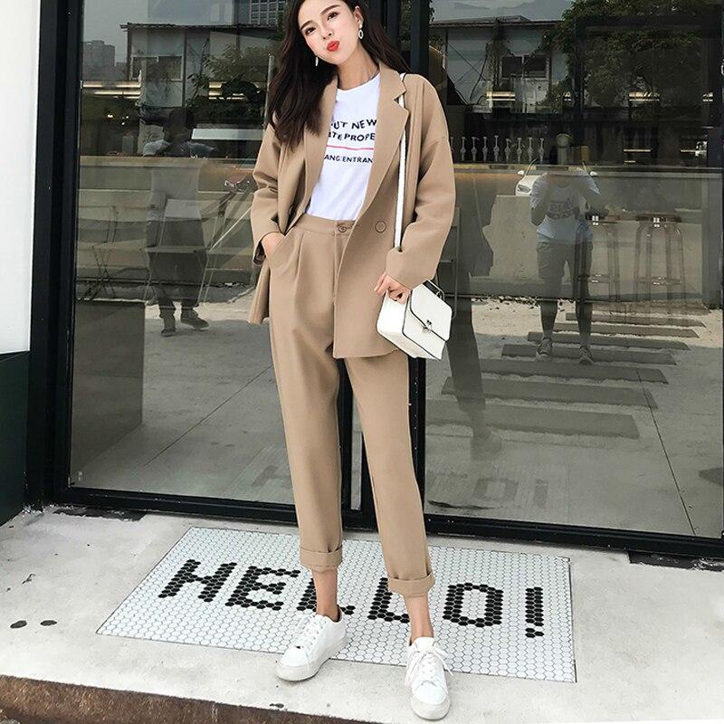 Otoño Casual mujeres pantalones trajes Collar Notched Blazer chaqueta y  pantalón caqui traje femenino 2 unidades set alta calidad en Trajes de  pantalón de ... 158810afffdd