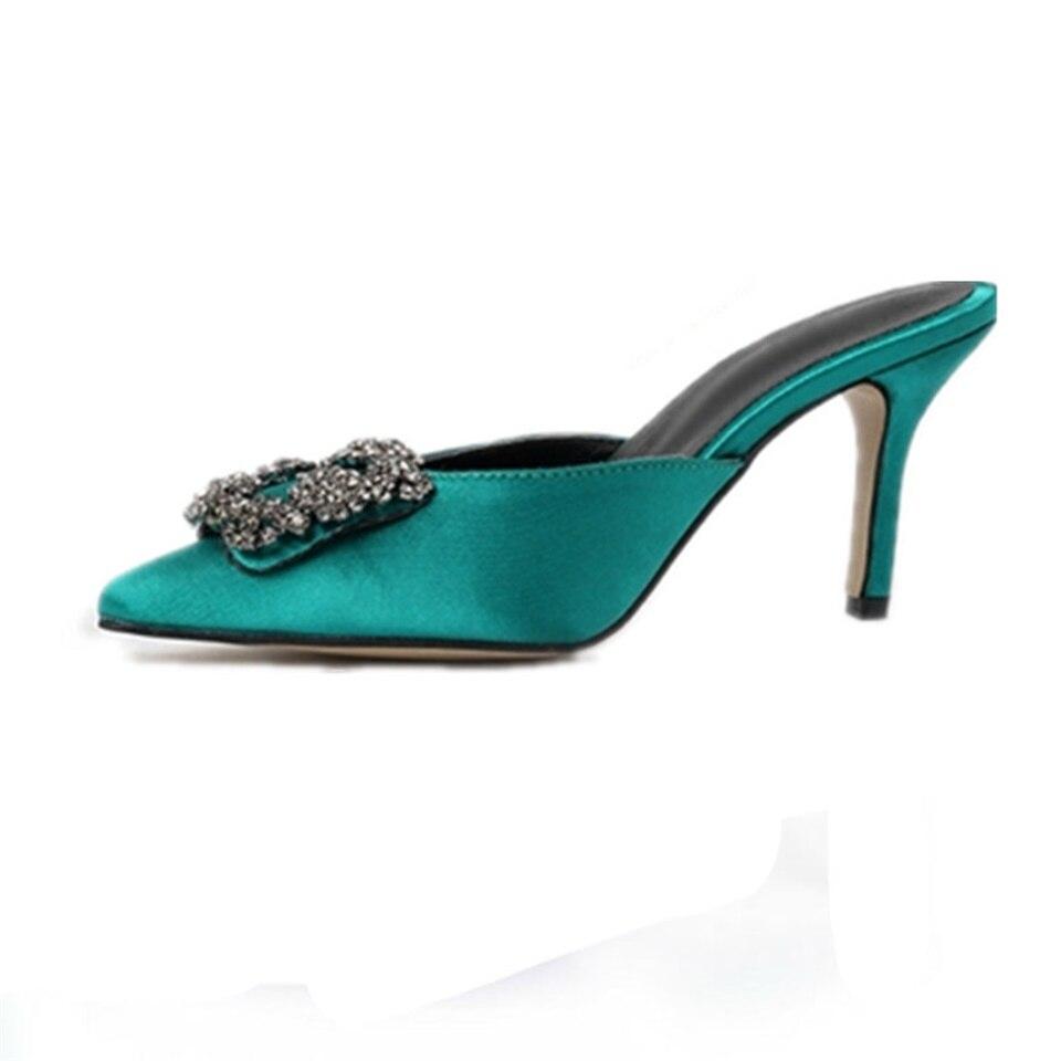 Carré boucle femelle pantoufles talons hauts fines peu profondes sandales soie satin colsed bout pointu strass décoration chaussures pour femmes