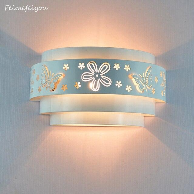 Modern duvar lambaları Minimalist kelebek çiçek oyma LED e27 duvar lambası, beyaz stereoskopik demir kapak ayna ön/yatak odası takımları