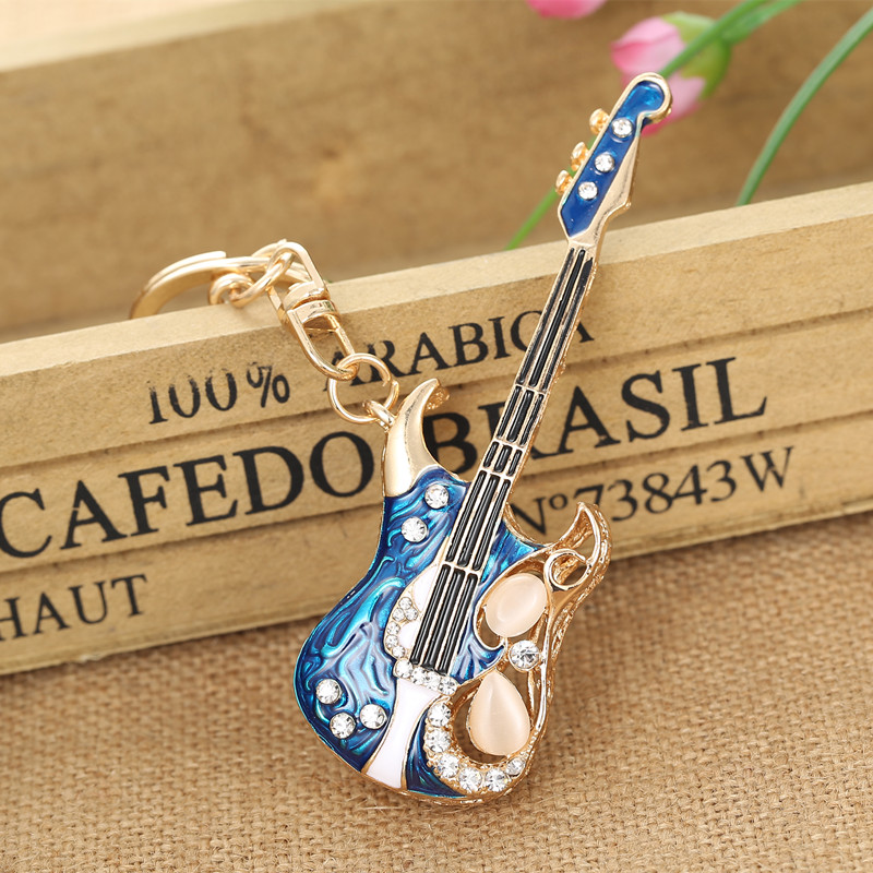 Guitar Keychains Crystal Key Ring Key Chains for Christmas Gift Jewelry Llaveros Pendant G56 недорго, оригинальная цена
