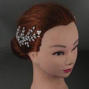 Image 2 - Tiaras And Crowns HADIYANA New Fashion Wedding Hair Accessories Charming Luxury Elegant For Women Zircon BC4860 Accesorios Mujer