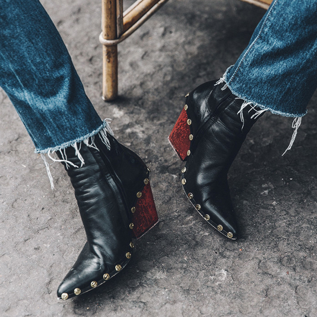 Baimier Luxo Marca Genuína Mulheres De Couro Botas Moda Rebite Botas de Tornozelo Para As Mulheres Do Dedo Do Pé Apontado sapatos de Salto Alto Mulheres Botas Chelsea