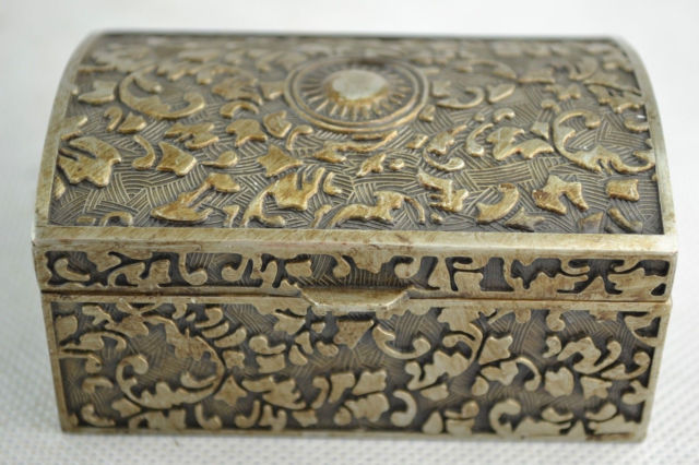 Elaborate Chinese Old Collectibles Handwork Miao Silver Flower Totem Jewel Box