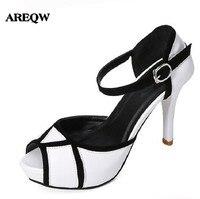 Areqw signora pompe dei sandali moda scarpe col tacco alto scarpe impermeabili della piattaforma in bianco e nero scarpe all'ingrosso 2017 di piccola dimensione 34