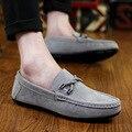 2017 Hombres de Cuero de Gamuza Zapatos de Marca Verano Hombres Pisos Clásicos Zapatos Coreanos Masculinos Suaves Zapatos Al Aire Libre Zapatillas Deportivas N76