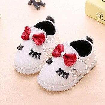 8ce96401c Детская обувь для девочек 2 лет, спортивная обувь для малышей 1 год модная  однотонная обувь для новорожденных с бабочкой для малышей, пробков.