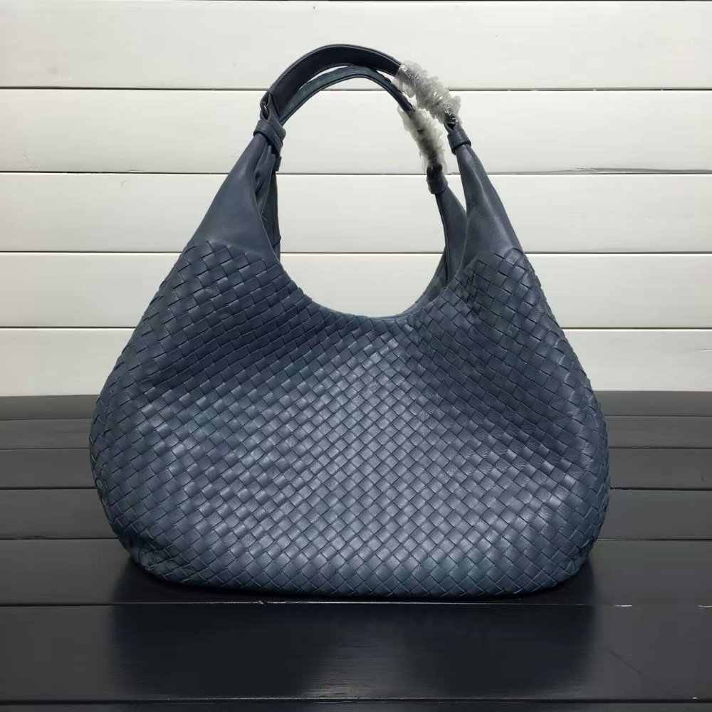 ISHARES Exquisite Handmade Weave Lambskin Handbags Women Brands Fashion  Elegant Lady Shoulder Bags Female Casual Totes 53ebfe5cde