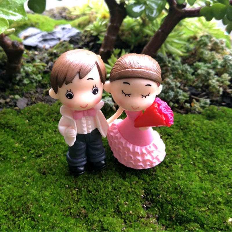 Gnome In Garden: 2Pcs Cute Lovers Couple Figurines Miniatures Fairy Garden