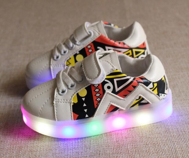 2018 animation cartoon print sneakers baby all season tennis excellent LED shoes girls boys cool fashion toddlers baby glowing