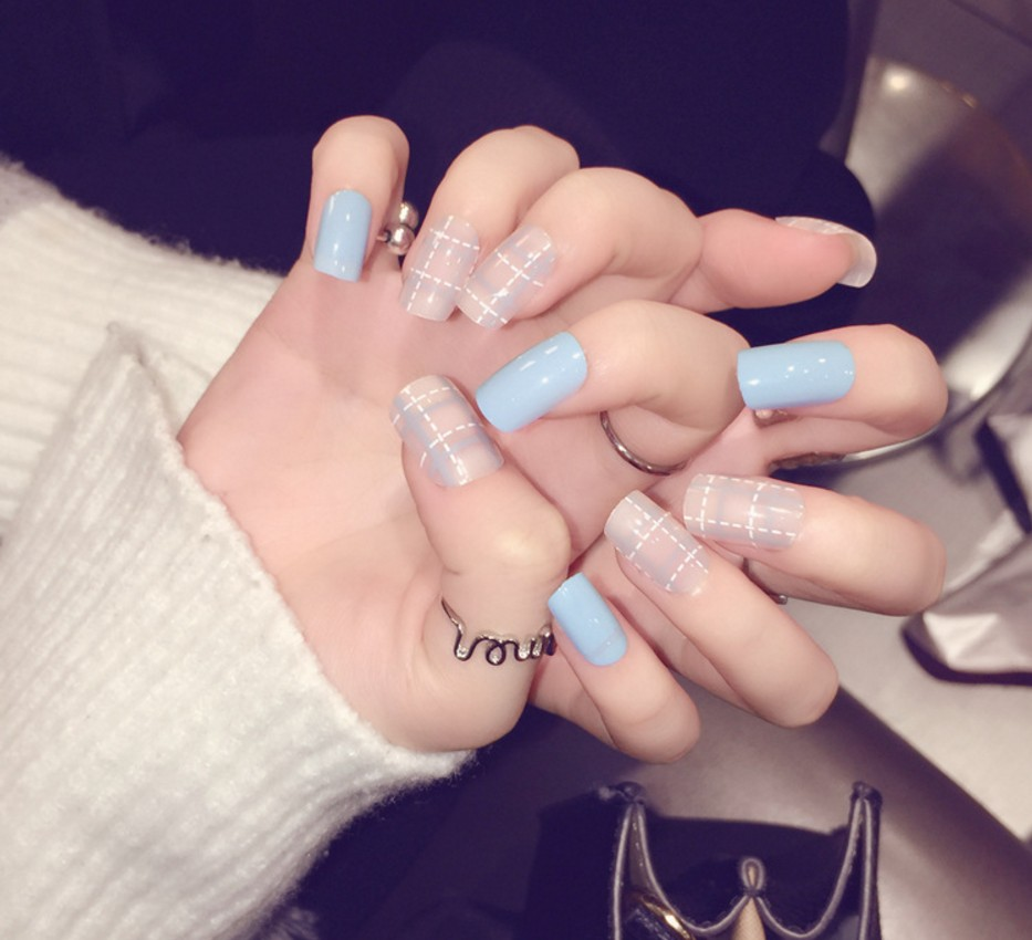 New Lady nails Blue and Pink Fake Nails Metallic Gold French False ...