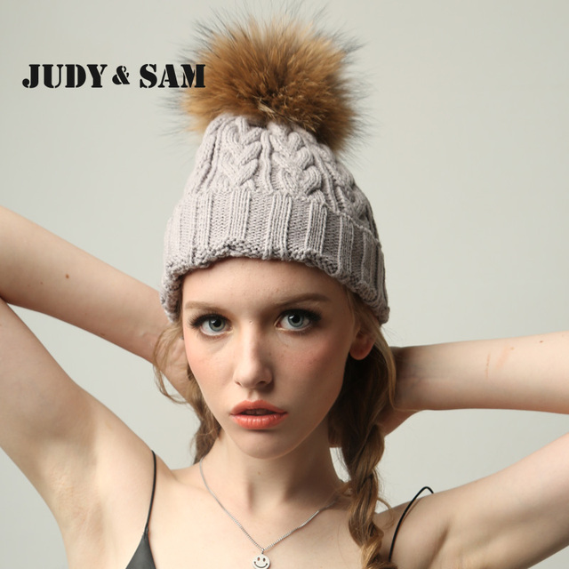 Зимняя шерстянная шапка  для девочек с меховым помпоном