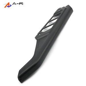 Image 3 - Guardabarros de cadena de ABS para motocicleta, cubierta protectora lateral, Protector para Suzuki DR125, DR200, DR650, DR 125, 200, 650, 04 17