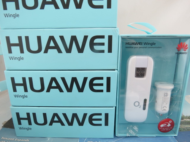 все цены на  HUAWEI E8278s-602 e8278s 150Mbps LTE 4g Wi-Fi Dongle 2016 new  +USB Car charger  онлайн