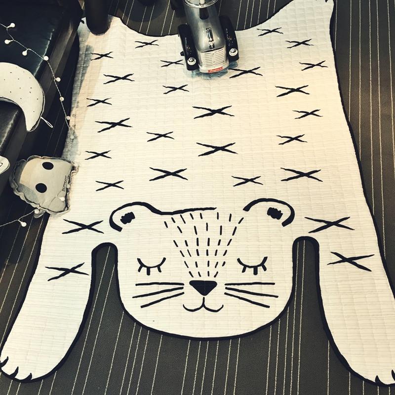 ลื่นสีขาวเสือพรมปูพื้นควิลท์เสื่อ 130x185 เซนติเมตรขนาดผ้าโพลีเอสเตอร์พรมห้องนั่งเล่นคลานเสื่อสำหรับเด็กเด็ก