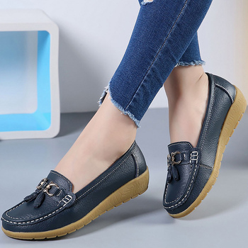 Boat shoes women fashion sneakers genuine leather shoes tassel fringe casual shoes round toe plus size 35-44 ladies flat 1