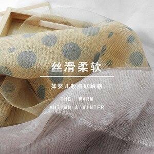 Image 4 - Foulard Foulard en laine à pois pour femme