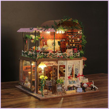DIY Big Doll houses for Sale Toys for Children Cute Families House Miniature Dollhouse Family Valentine's Day Gift for Girl cute families house miniature dollhouse slow time loft villa wood diy dollhouse valentine gift kids toys for children