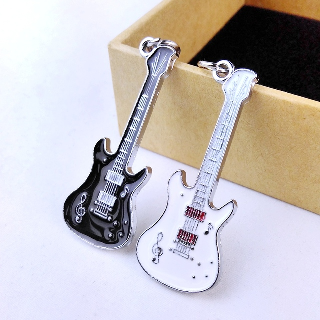 buy 1 pair 2016 new unique cool metal guitar key chain ring keychain novelty. Black Bedroom Furniture Sets. Home Design Ideas