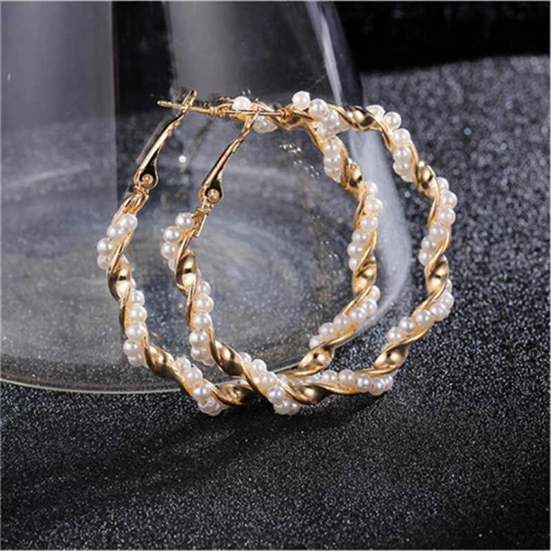 2019 New Pearl Hoop Earrings for Women Exaggerates Oversize Pearl Circle Ear Rings Earrings Fashion Europe Nightclub Jewelry