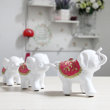 White small home decoration elephant family creative craft housewarming gift resin ornaments three small elephant figurines