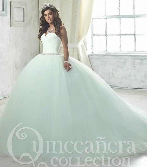 6940885ac Blanco de lujo 2017 del vestido de bola vestidos de quinceañera tulle sweet  16 año Vestidos