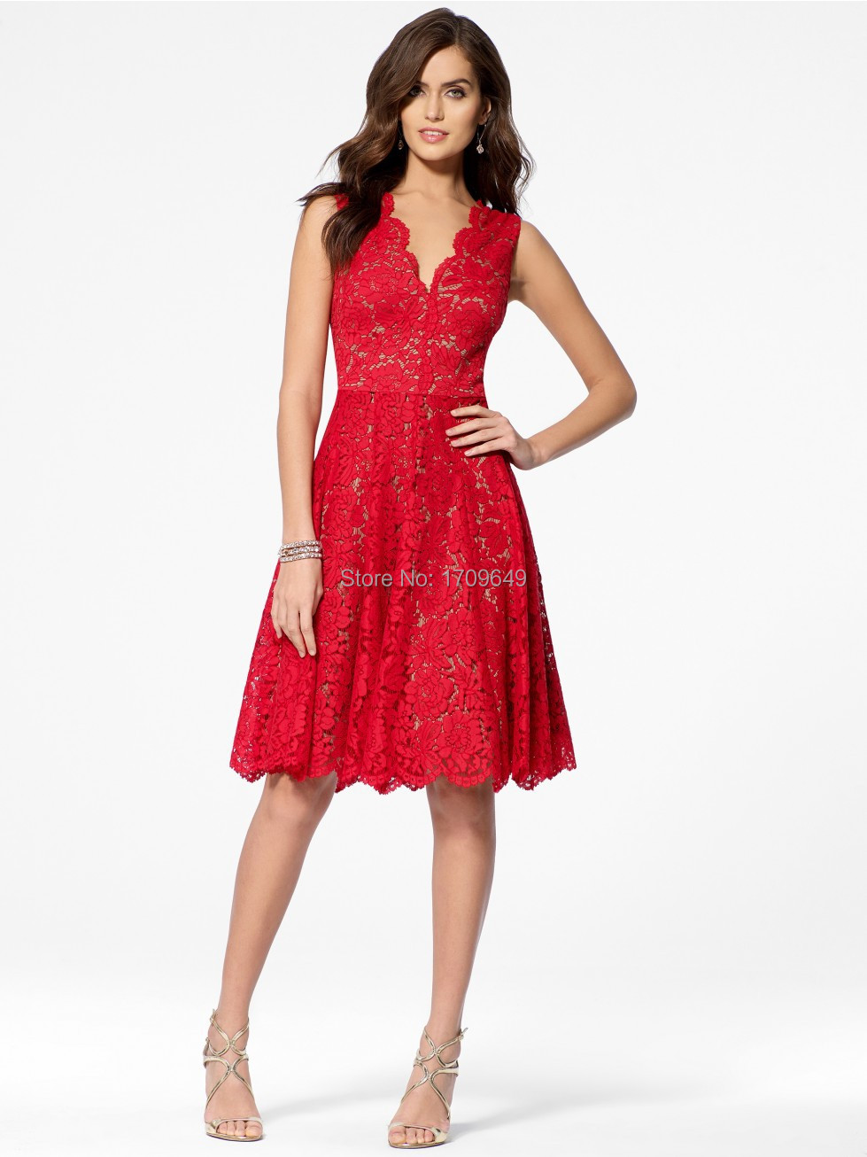 4f837fe58a8 Charming A-Line Knee Length Red Lace Vestidos Prom Gown Dress Sleeveless  V-Neck Junior Bridesmaid Dress Short Homecoming Dress
