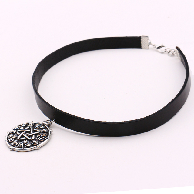 Witcher 3 Yennefer Medallion 32cm+5cm Leather Choker Necklace the Wild Hunt Game Cosplay Jewelry Gothic Gold/Silver Pendant