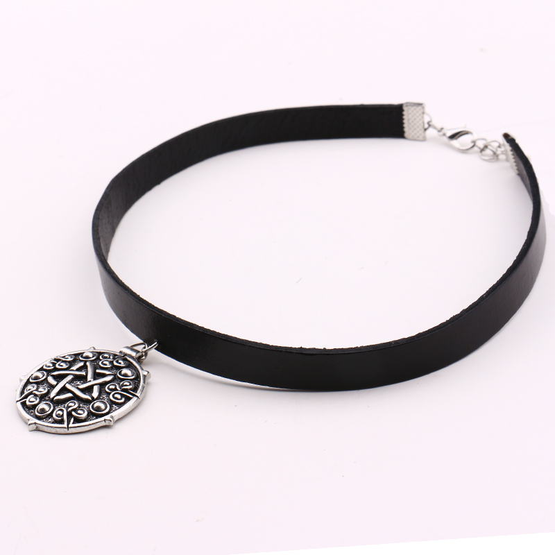 Witcher 3 Yennefer Medallion 32cm+5cm Leather Choker s