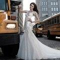 2015 vestido de boda de lujo con cuello en v Appliques con cuentas capilla tren Backless Bling de la sirena del vestido nupcial por encargo